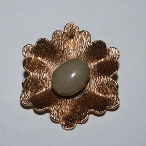 Vintage gold and stone flower brooch